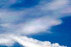 Nube iridiscente hermosa Irisation o nube del arco iris Fotografía de archivo