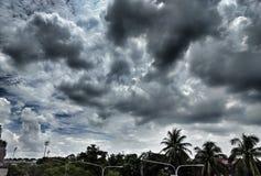 nube negra que destella del día del bolte nublado de la lluvia Imagen de archivo libre de regalías