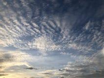 Nube nel cielo blu Immagini Stock Libere da Diritti