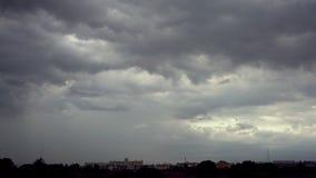 Nube oscura metrajes