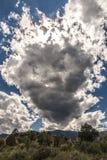 Nube que asoma Foto de archivo