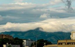 Nube que va abajo Imagen de archivo