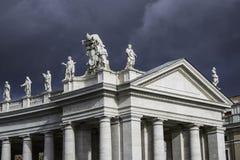 Nube sobre San Pedro Imagenes de archivo