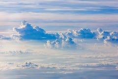 Nube y cielo azul Imagen de archivo