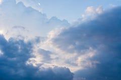 Nube y cielo azul Fotografía de archivo