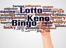Nube y mano de la palabra del Keno del bingo de la loteria con concepto del marcador foto de archivo libre de regalías