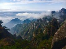 Nube y montaña Foto de archivo libre de regalías