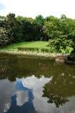 Nube y piscina Fotografía de archivo libre de regalías