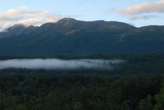 Nubes abajo en el valle imagen de archivo libre de regalías