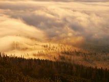 Nubes ardientes Foto de archivo libre de regalías