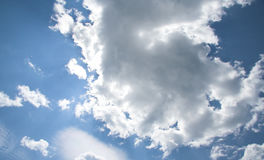 Nubes asoleadas Imagenes de archivo