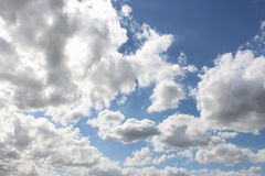 Nubes asoleadas Imágenes de archivo libres de regalías