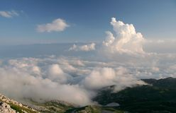 Nubes bajo el mar Imagen de archivo