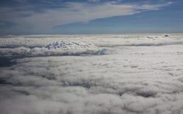 Nubes Billowing imagenes de archivo