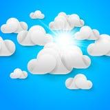 nubes blancas en el cielo azul Foto de archivo
