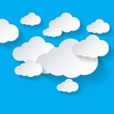 Nubes blancas en fondo azul ilustración del vector