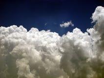 Nubes blancas mullidas Fotografía de archivo