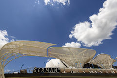 Nubes brillantes sobre el pavillion alemán, EXPO Milán 2015 Fotos de archivo