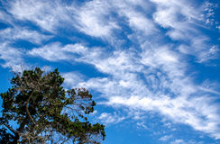 Nubes cirriformes Imagenes de archivo