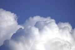 Nubes de cúmulo 602691 Imagen de archivo