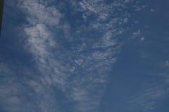 Nubes de cirro Imagenes de archivo