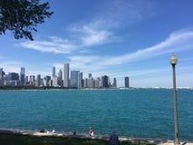 Nubes de cirro sobre el horizonte de Chicago Fotografía de archivo libre de regalías