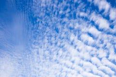 Nubes de cirrocúmulo sobre Eastfrisia Imágenes de archivo libres de regalías