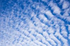 Nubes de cirrocúmulo sobre Eastfrisia Fotografía de archivo