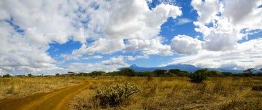 Nubes de Kilimanjaro imagen de archivo libre de regalías