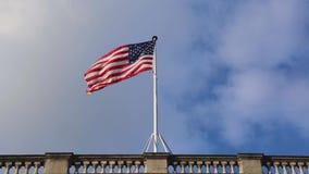 Nubes de la bandera de los E.E.U.U. almacen de metraje de vídeo