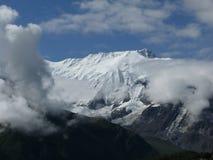 Nubes de la monzón antes del pico Himalayan Nevado Annapurna IV Foto de archivo libre de regalías