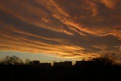 Nubes de la puesta del sol, igualando el cielo Foto de archivo libre de regalías
