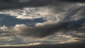Nubes de la tarde en Falkensee, Brandeburgo Alemania almacen de metraje de vídeo