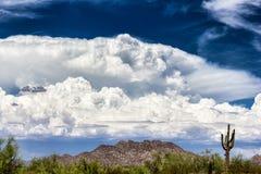 Nubes de la tempestad de truenos imagen de archivo libre de regalías