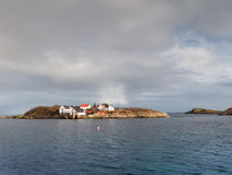 Nubes de lluvia en Henningsvaer, islas de Lofoten, Noruega Fotos de archivo libres de regalías