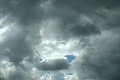 Nubes de lluvia tempestuosas Foto de archivo libre de regalías