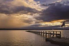 Nubes de noche en octubre fotos de archivo libres de regalías