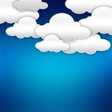 Nubes de papel sobre azul ilustración del vector