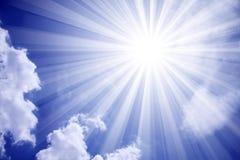 Nubes de Sun del cielo