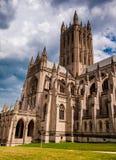 Nubes de tormenta del verano sobre Washington National Cathedral, DC Imágenes de archivo libres de regalías