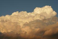 Nubes de tormenta en Barcelona El crecimiento de la tormenta Imagenes de archivo