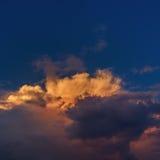 Nubes de tormenta en el cielo Foto de archivo