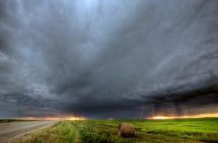Nubes de tormenta sobre Saskatchewan fotos de archivo