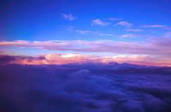 Nubes de un aeroplano imagenes de archivo