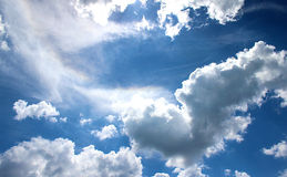 Nubes del cielo azul Fotografía de archivo