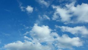Nubes del lapso de tiempo almacen de metraje de vídeo