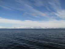Nubes del vuelo sobre la Antártida Imagen de archivo libre de regalías