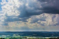 Nubes en campo foto de archivo libre de regalías