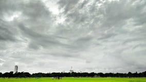 Nubes en cielo imagenes de archivo