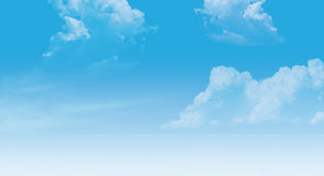 Nubes en el cielo ilustración del vector